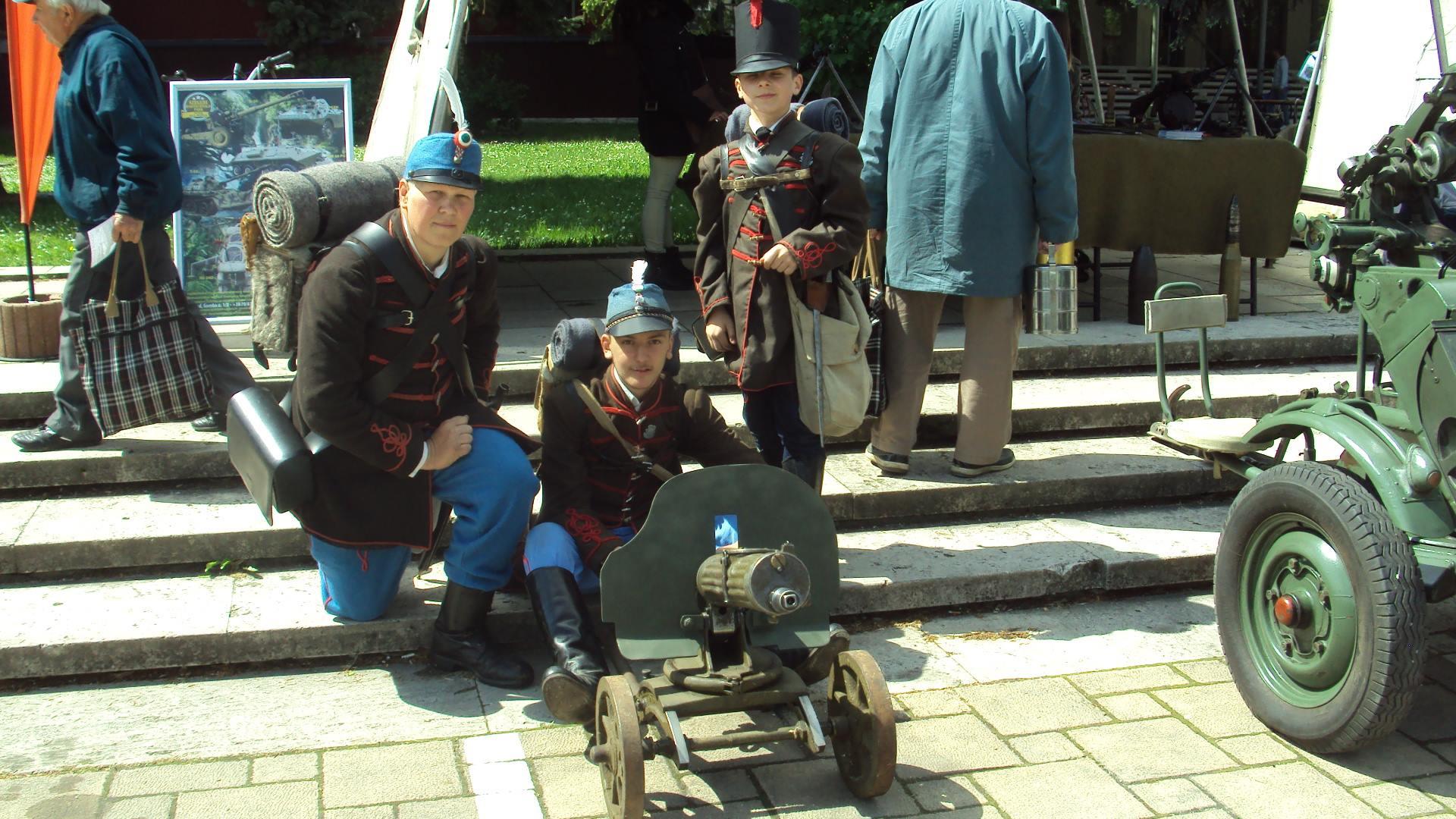 A 170 éves Magyar Honvédség bemutatkozik a Móra-parkban